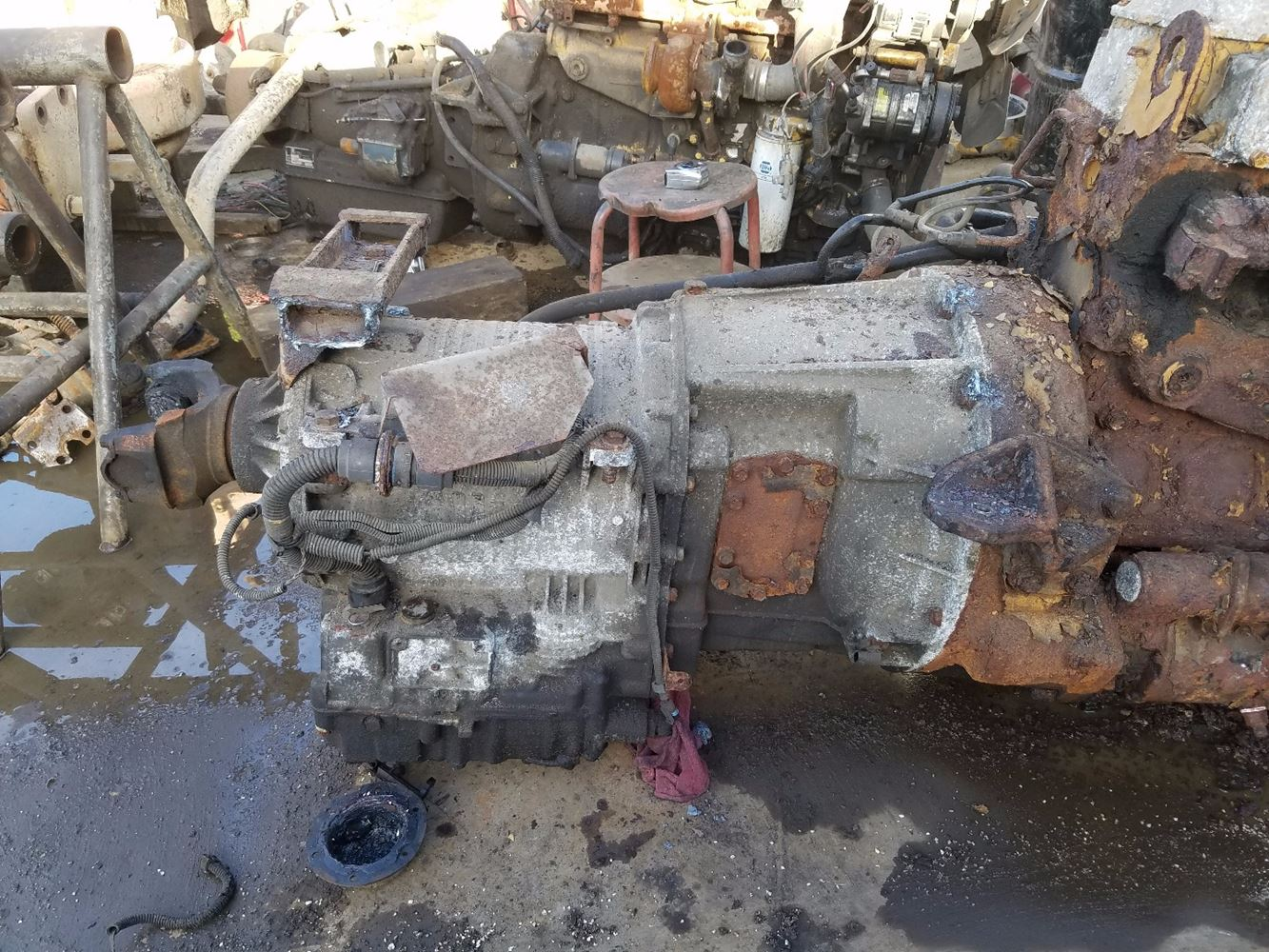 1995 Caterpillar 3116 Transmission Assembly