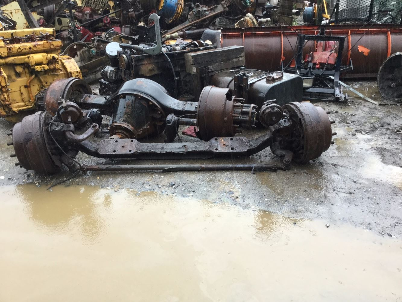 USED 1998 INTERNATIONAL 2554 AXLE ASSEMBLY DUMP TRUCK #555433