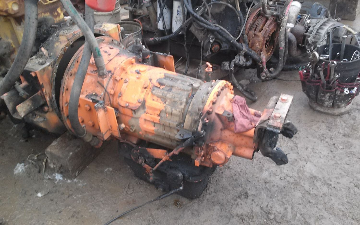 1997 Caterpillar 3306DI Transmission Assembly