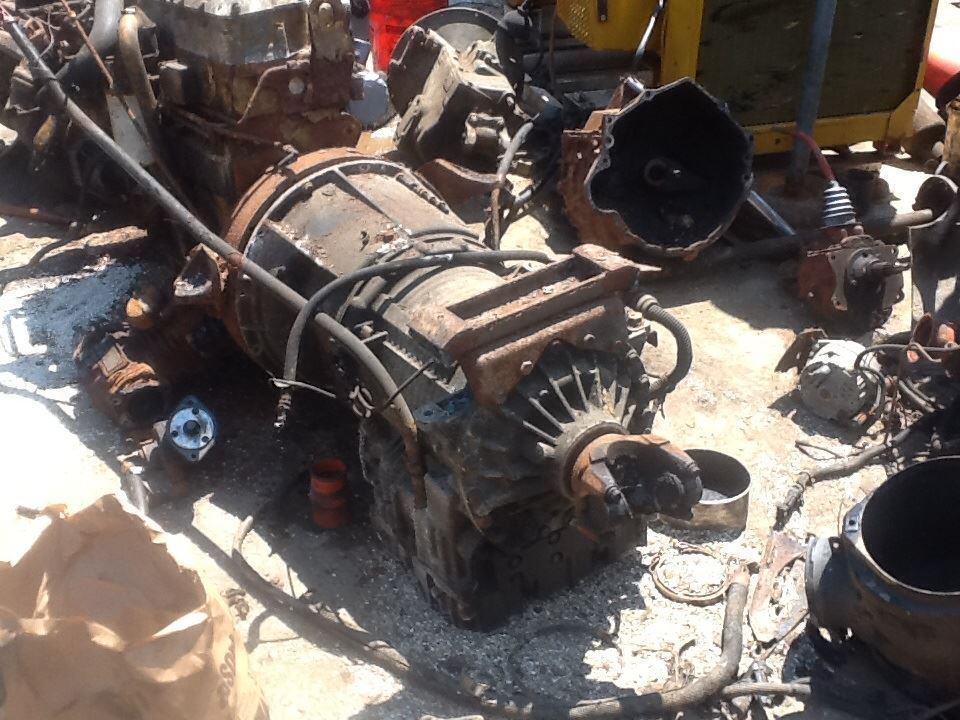 1996 Caterpillar 3116 Transmission Assembly