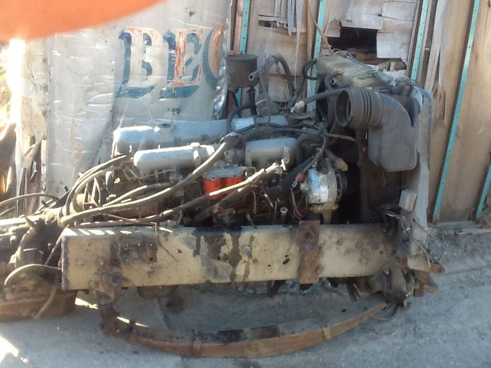 1991 Ford F800 Engine Assembly