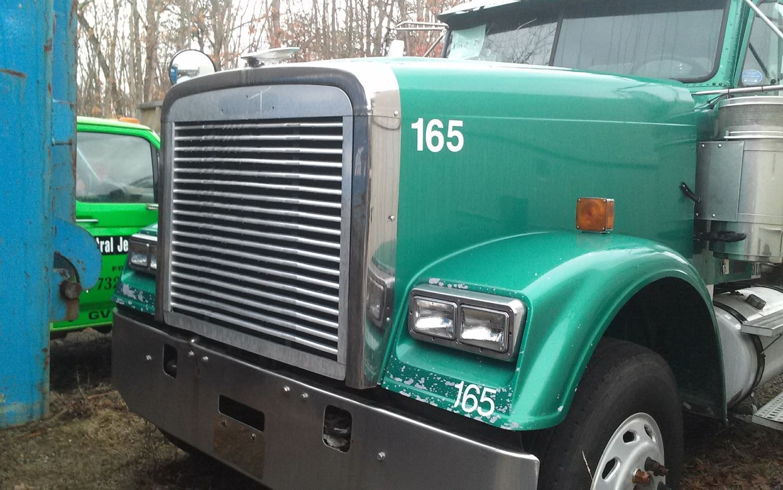 Semi Truck Hoods : Freightliner stock salvage fh hoods tpi