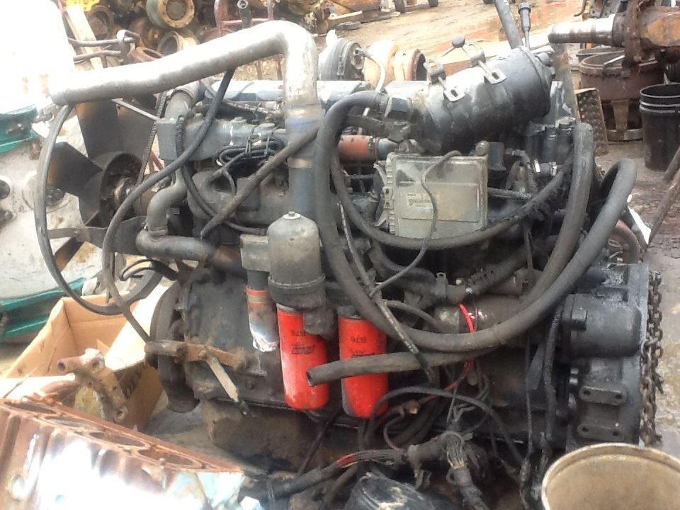 2002 Mack MR688S Engine Assembly