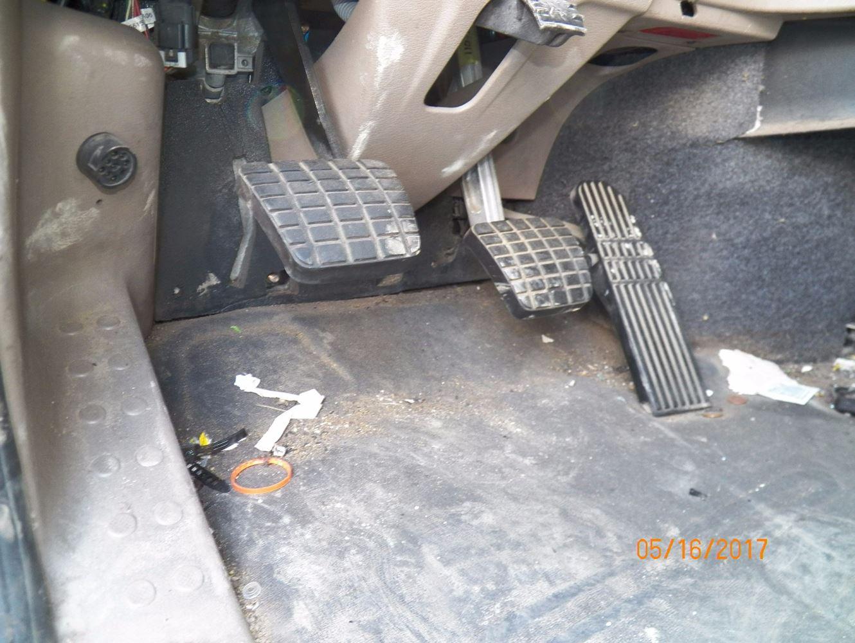 Throttle position sensor location 2004 mercedes c320 mercedes mass airflow sensor location