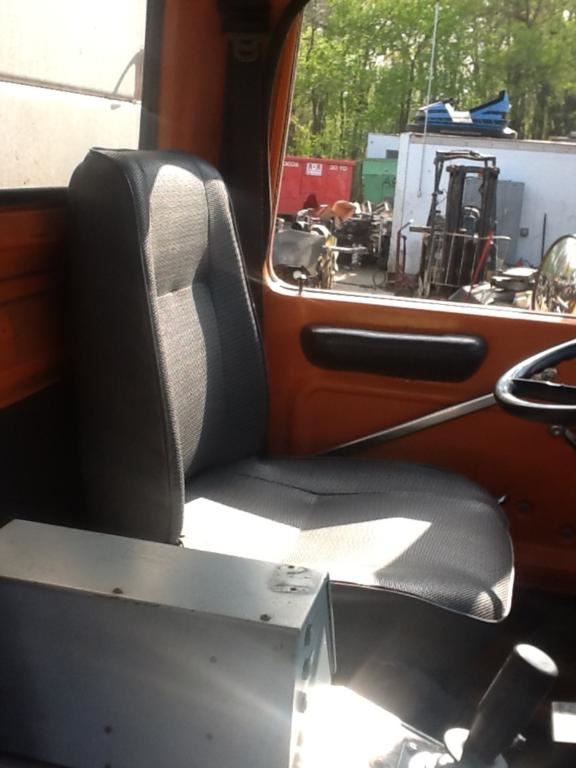1994 Ford 8000 Seat