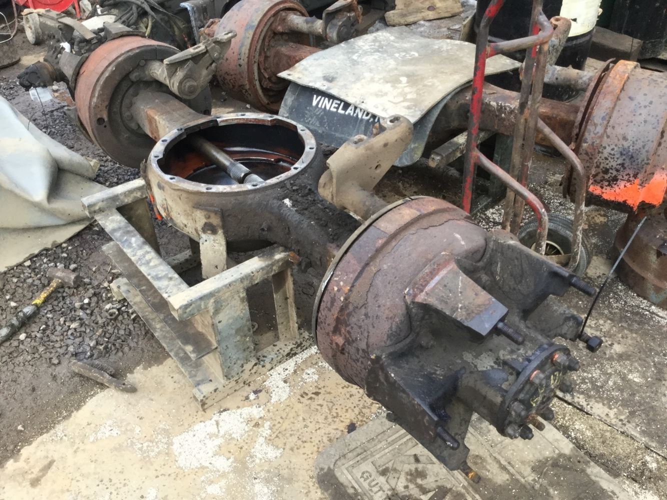 Meritor Rear Differential : Used meritor rockwell rs axle assembly for sale