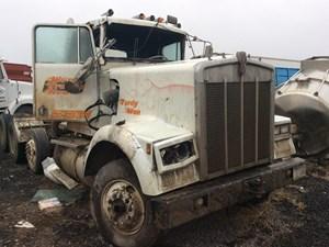 Kenworth W900B - Salvage 120315