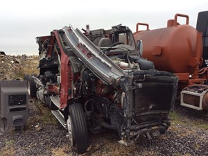 Kenworth T700 - Salvage 110115