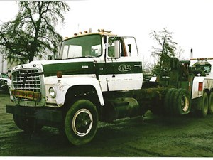 Ford 9000 - Salvage 2682-FORD