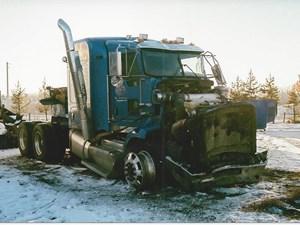 Kenworth T800 - Salvage 2692-KW