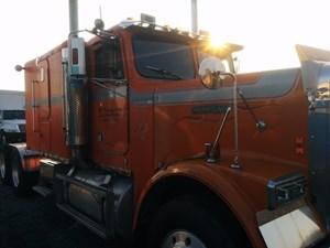 Freightliner FLC - Salvage FR-0380