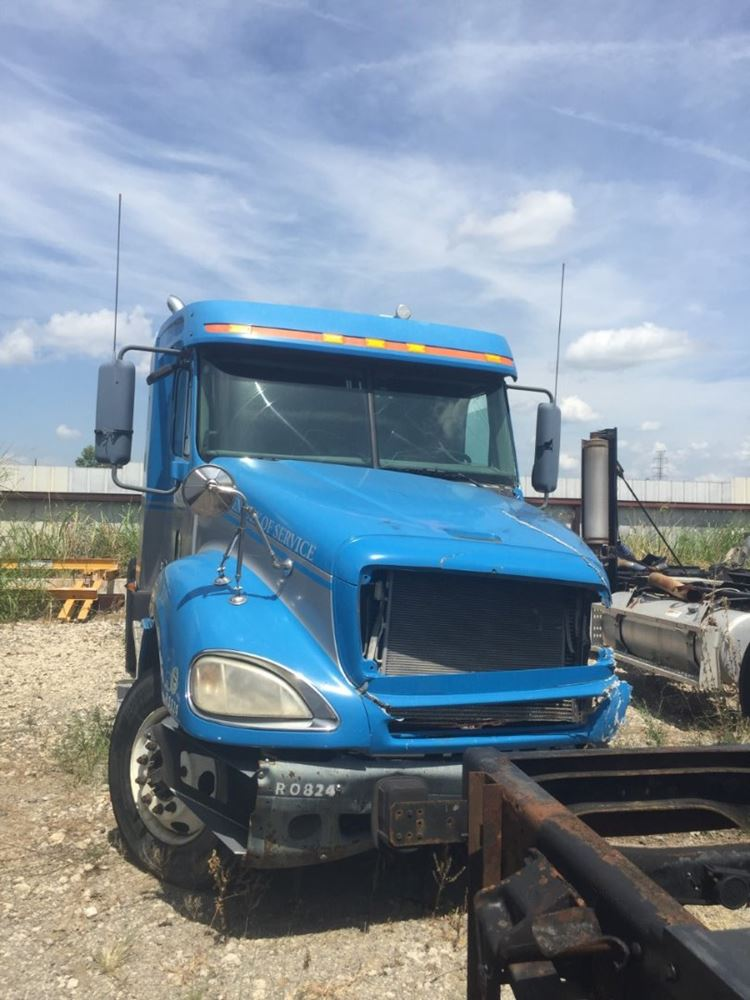 Media 2 for 2007 Freightliner COLUMBIA 120