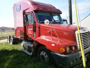 Freightliner ST120 - Salvage 7LV56778