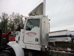 Kenworth T800 - Salvage X-02T8