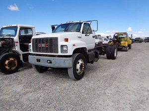 GM/Chev (HD) C7500 - Salvage 609