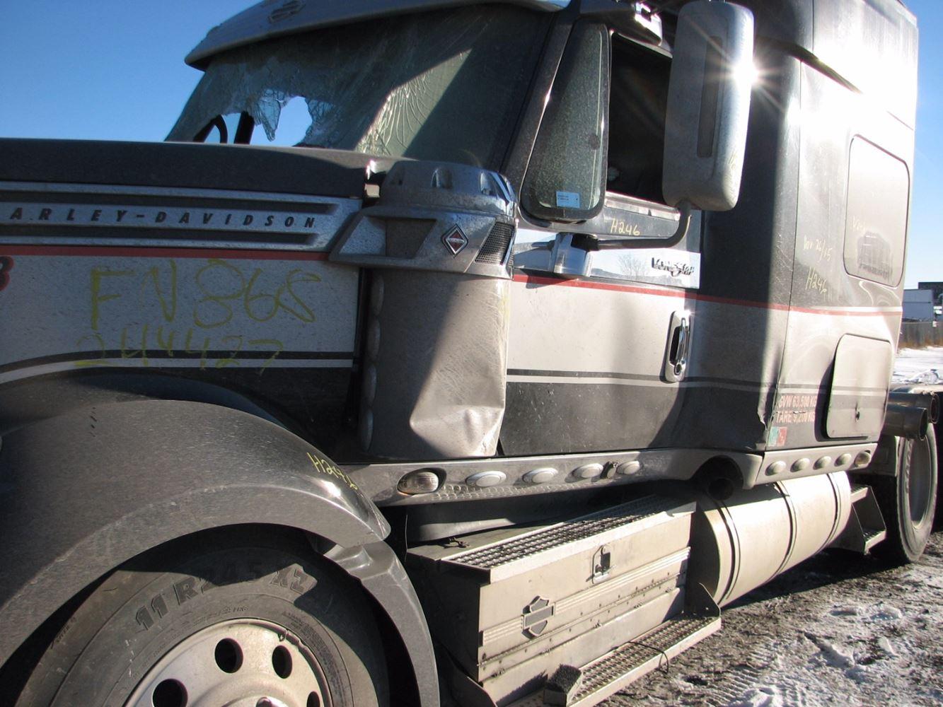 Salvage Heavy Duty International Lonestar Trucks Tpi