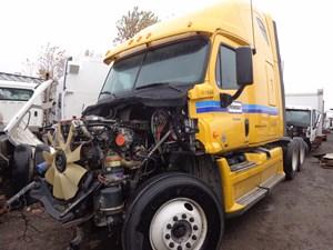 Freightliner Cascadia - Salvage H237