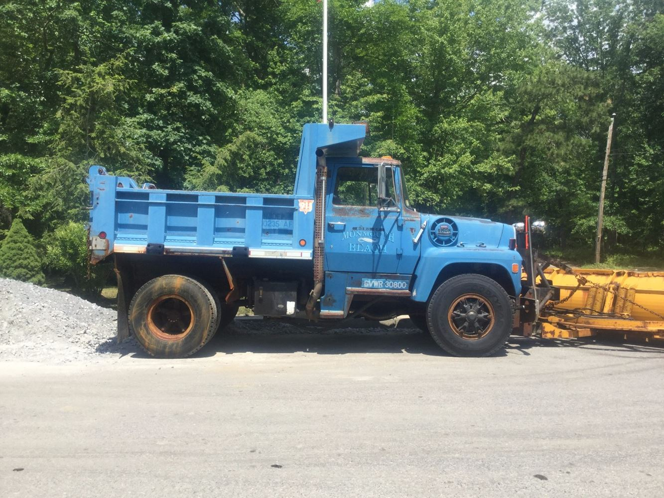 Ford l8000 salvage t salvage 1055