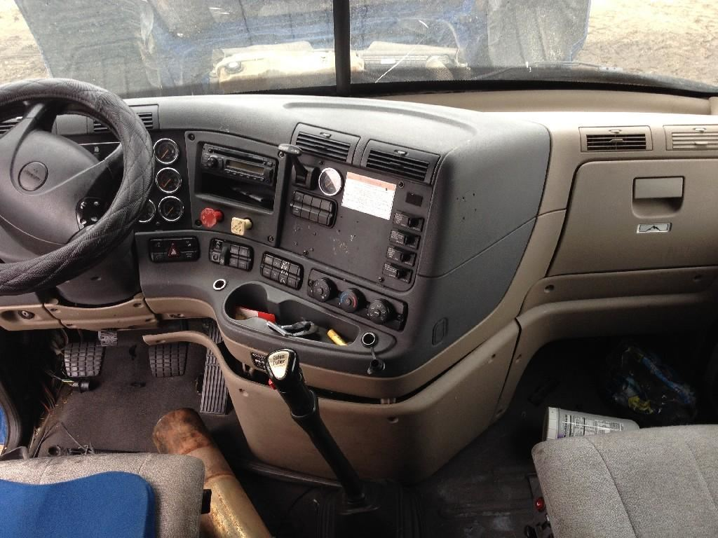 2009 Freightliner Cascadia Interior Pictures To Pin On Pinterest Pinsdaddy