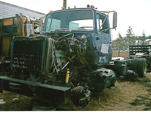 1981 Ford L9000 Cabs bColNBW9iiDV_b ford l9000 cab parts tpi 95 ford l9000 aeromax ac wiring diagram at love-stories.co