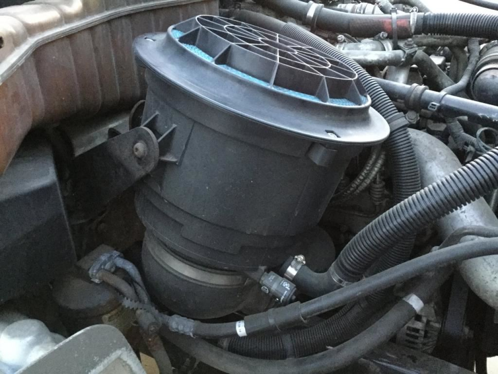 Freightliner Air Cleaners : Freightliner m stock  air cleaners