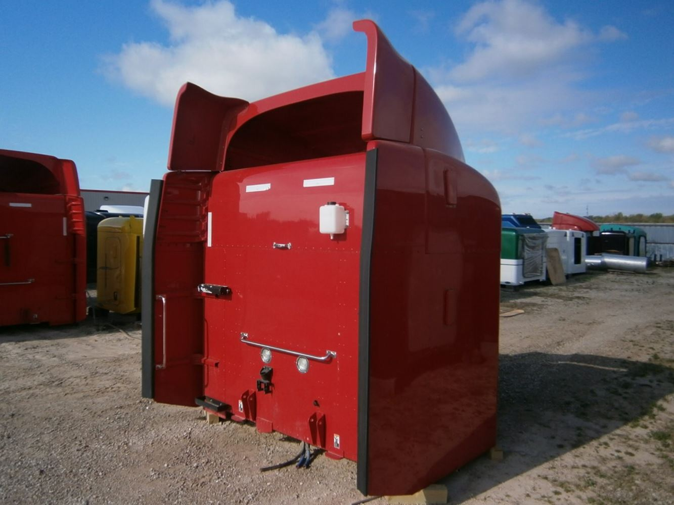 Peterbilt sleeper 48 inches plus extenders tall unibilt for Unibilt homes pricing