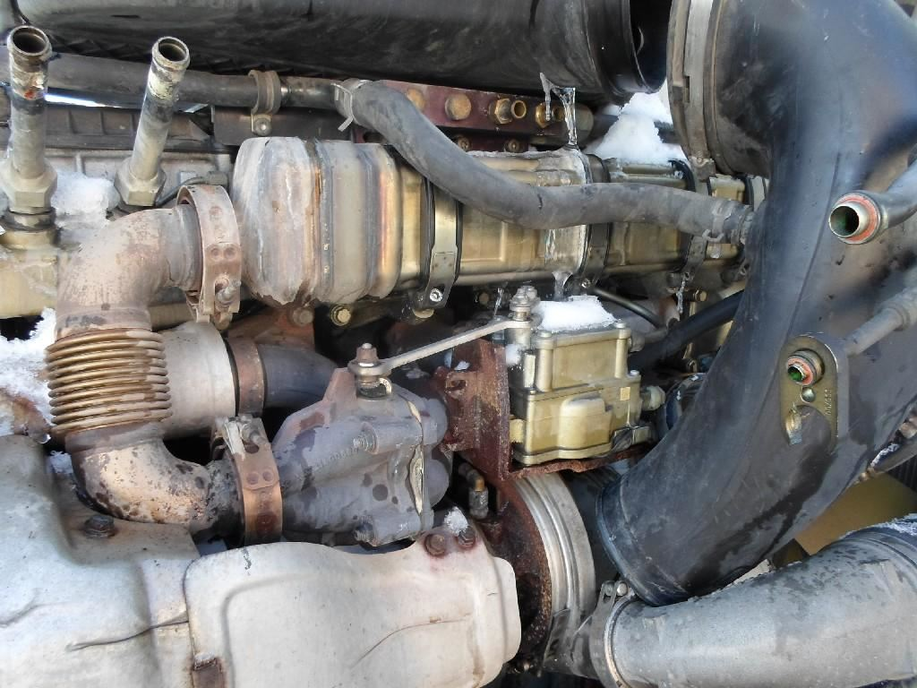 Saturn Vue Wiper Motor Wiring Diagram further Flathead trouble Carbs 34 38strom furthermore Nissan Versa Fuse Box Location additionally Watch furthermore Toyota Ta A Fuel Filter. on windshield washer motor replacement