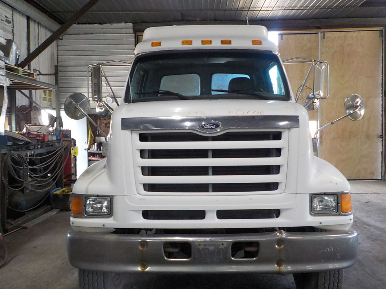 1998 Ford L9000 Stock 07716 1 Hoods TPI