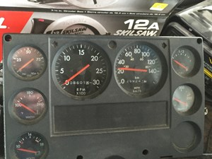 1998 Freightliner FL80 Instrument Cluster TSgn6pudRjXt_b wiring diagrams freightliner fl70 the wiring diagram 1999 freightliner fl60 fuse box diagram at webbmarketing.co