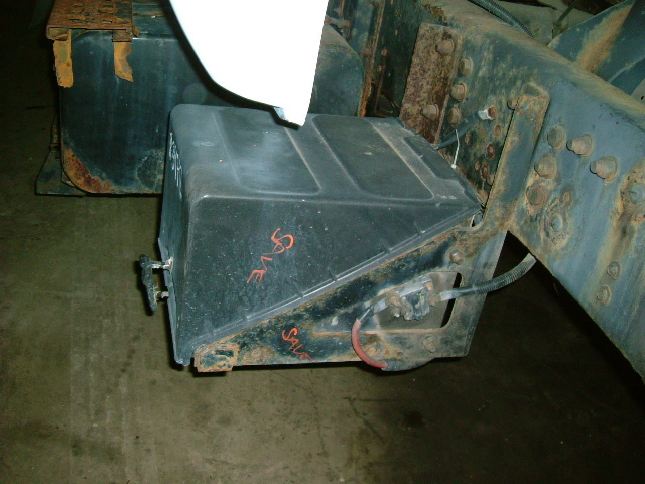 2000 Ford F650 Stock 39712 1 Battery Box Covers Tpi