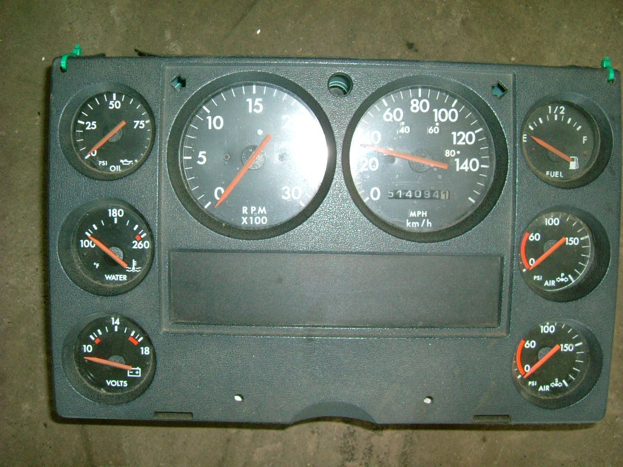 Dashboard Diagram 1996 Freightliner Fl70 Trusted Schematics Heater Wiring Pre Fuse Box Page 4 1997