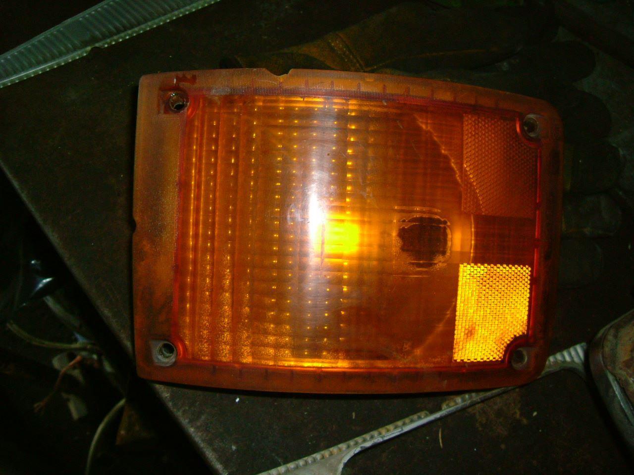 2001 International 4700 (Stock #16115-4) | Headlamp Assys ...