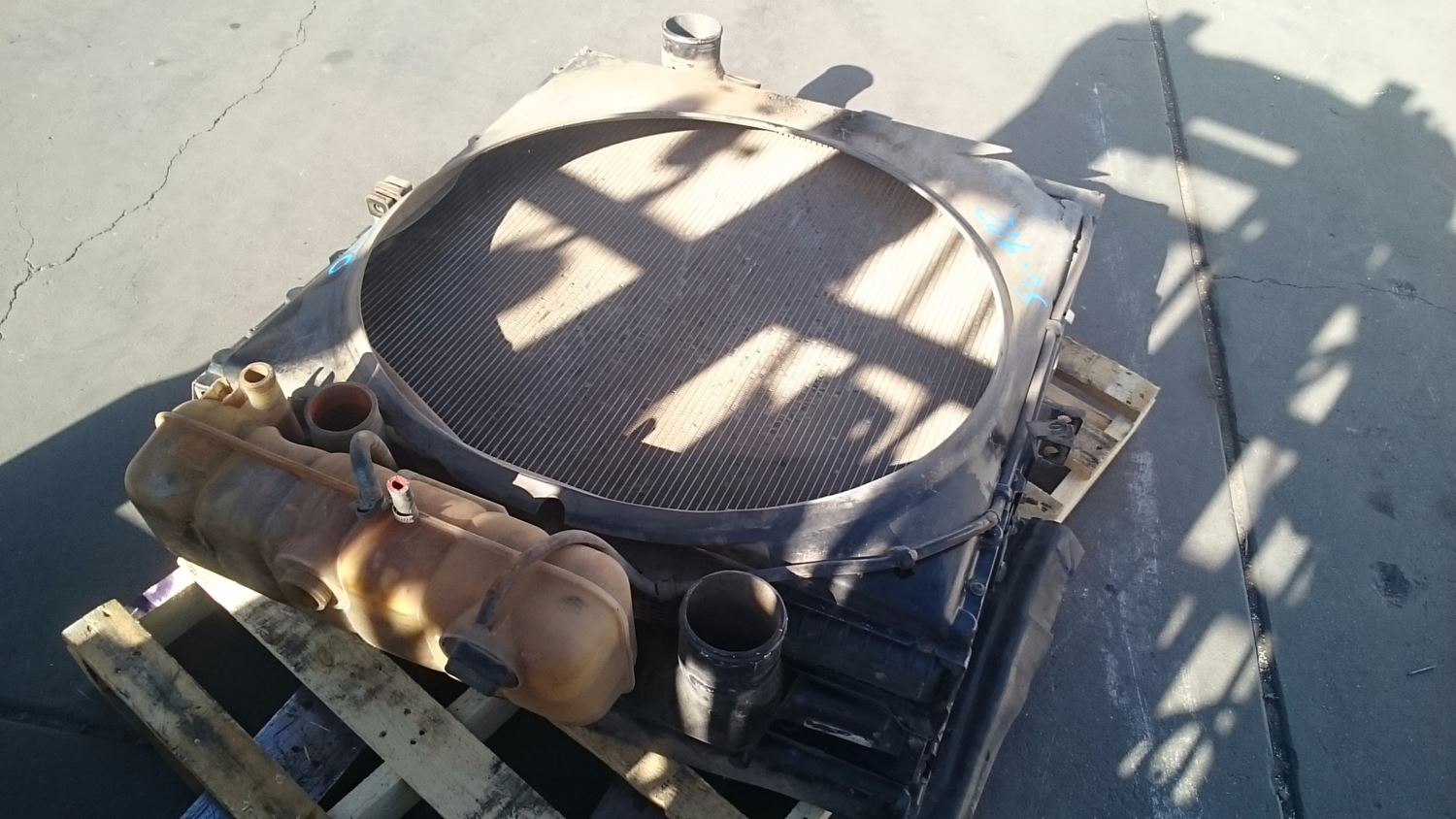 Used Parts for 1999 VOLVO VN for sale-59044277