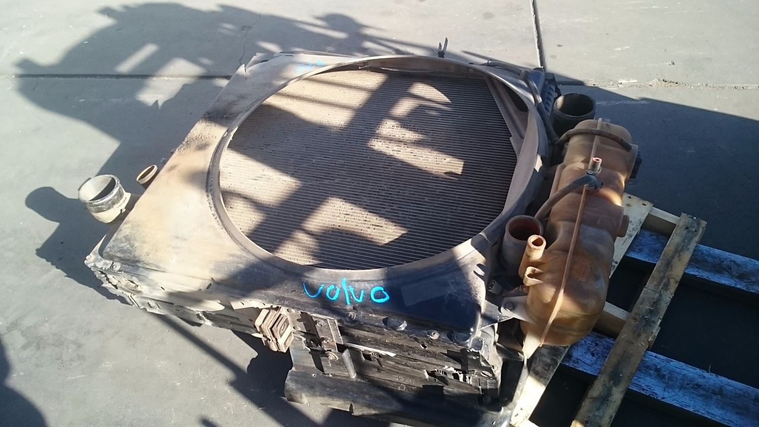 Used Parts for 1999 VOLVO VN for sale-58980700