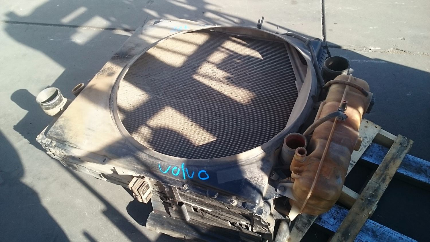 Used Parts for 1999 VOLVO VN for sale-58980699