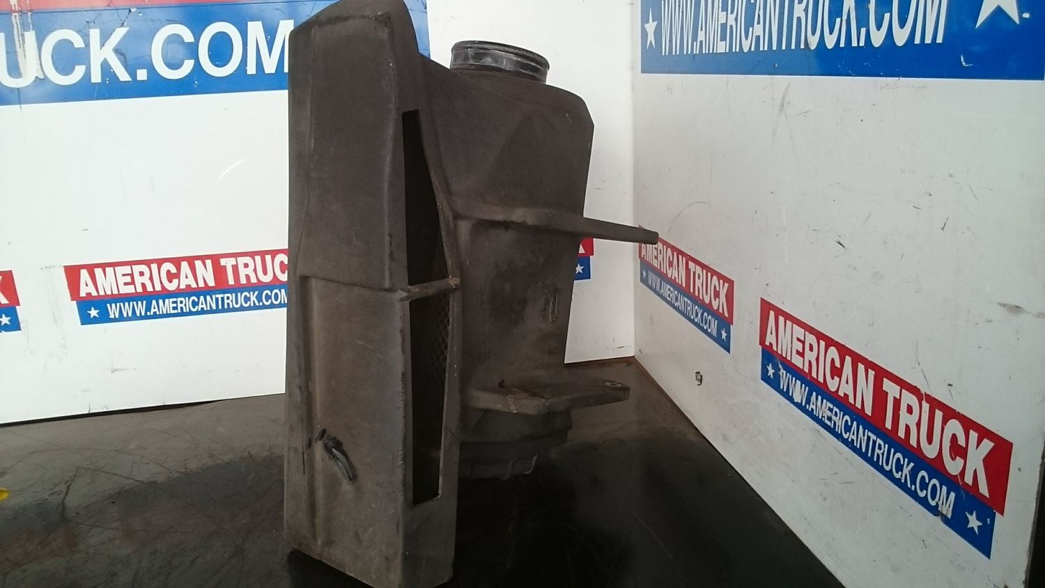Used Parts for 2000 FREIGHTLINER FL70 for sale-58977409