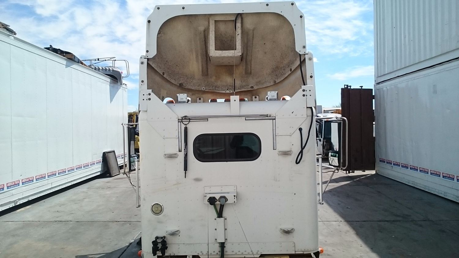 Used Parts for 2000 FREIGHTLINER FLD for sale-58979178