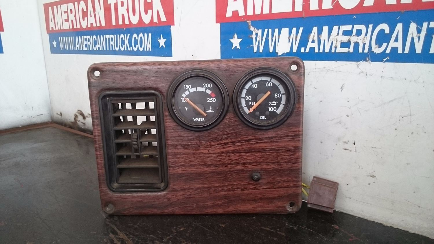 Used Parts for 2000 FREIGHTLINER FLD for sale-59042888