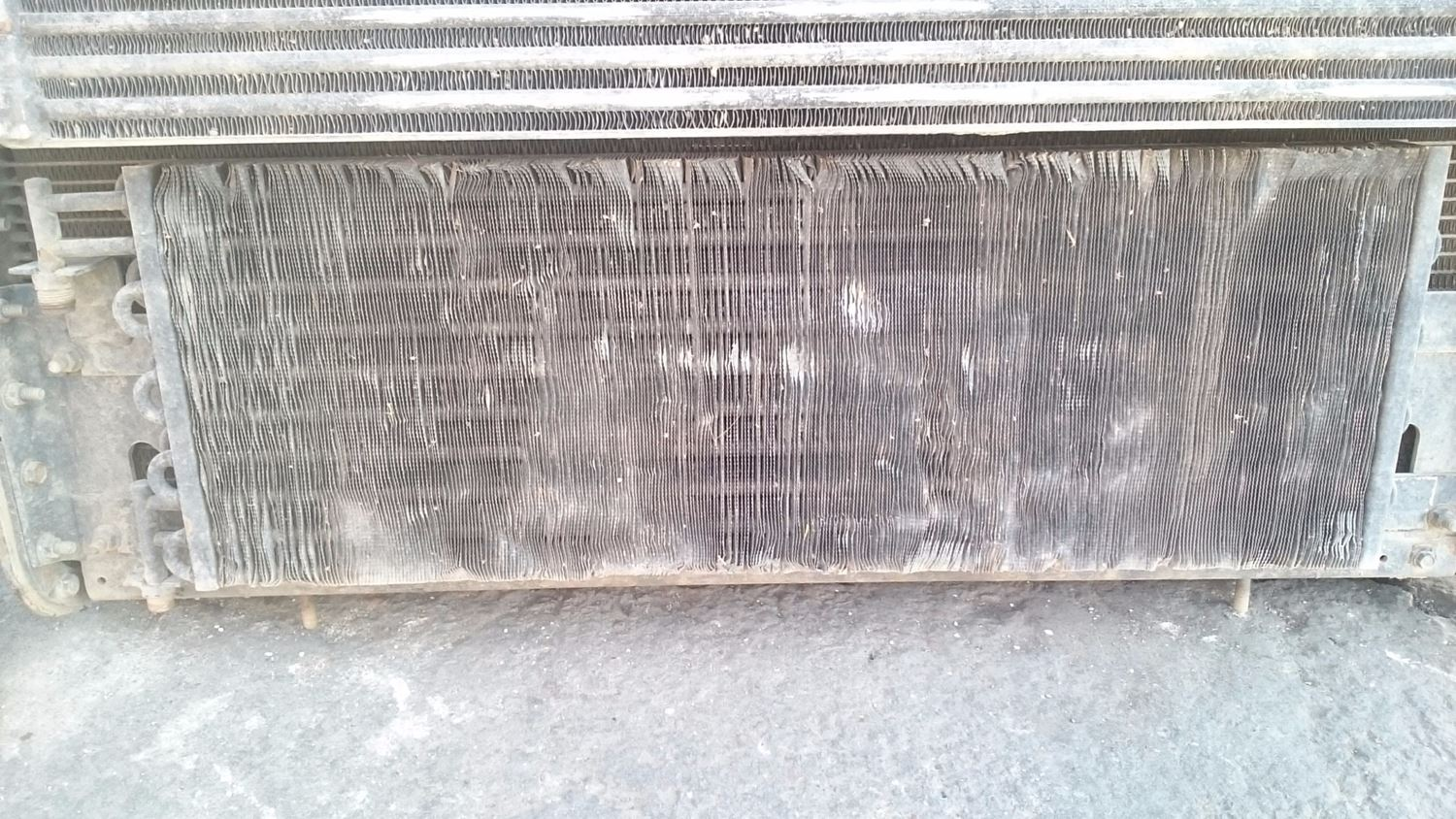 Used A/C Condensors for 2000 FREIGHTLINER FLD120 for sale-58980597