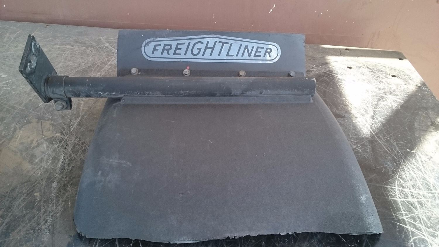 Used Parts for 2000 FREIGHTLINER FLD120 for sale-58979753