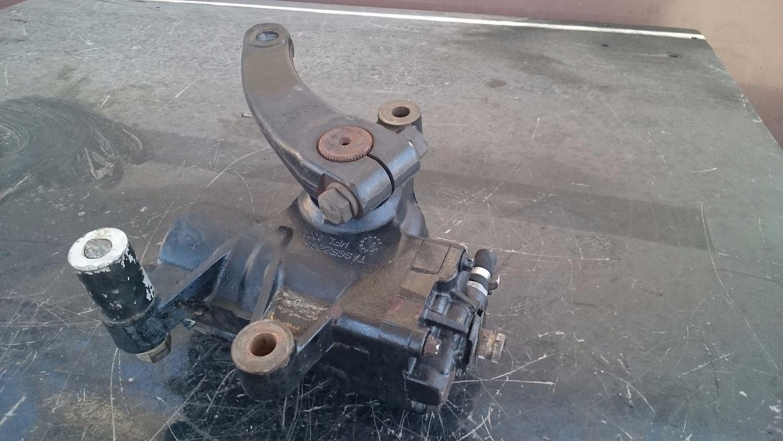 Used Steering & Steering Parts - Steering Gears for 2000 VOLVO VNL670 for sale-58979643