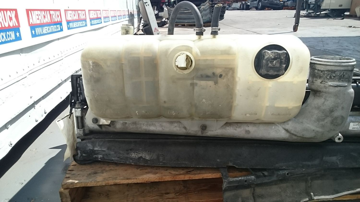Used Parts for 2000 VOLVO VNL for sale-59040451