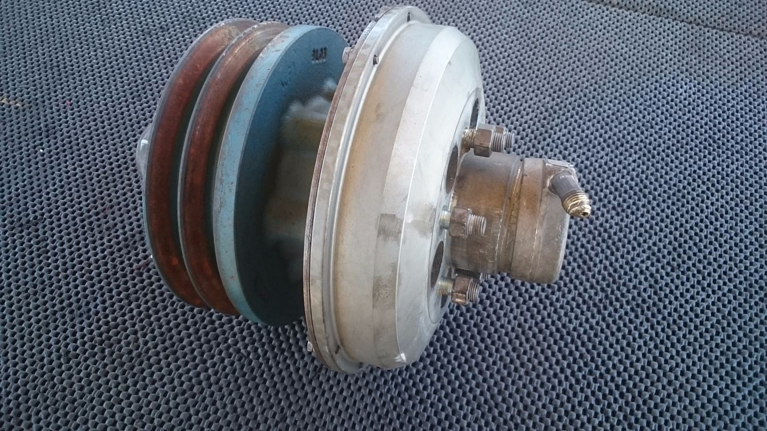 fan clutch hubs new and used parts american truck chrome. Black Bedroom Furniture Sets. Home Design Ideas