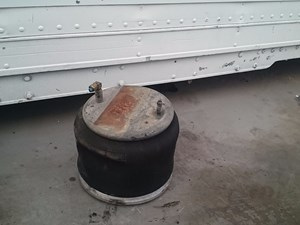 2001 Freightliner Fld120 Air Bags Stock Sv 584 6 Part Image