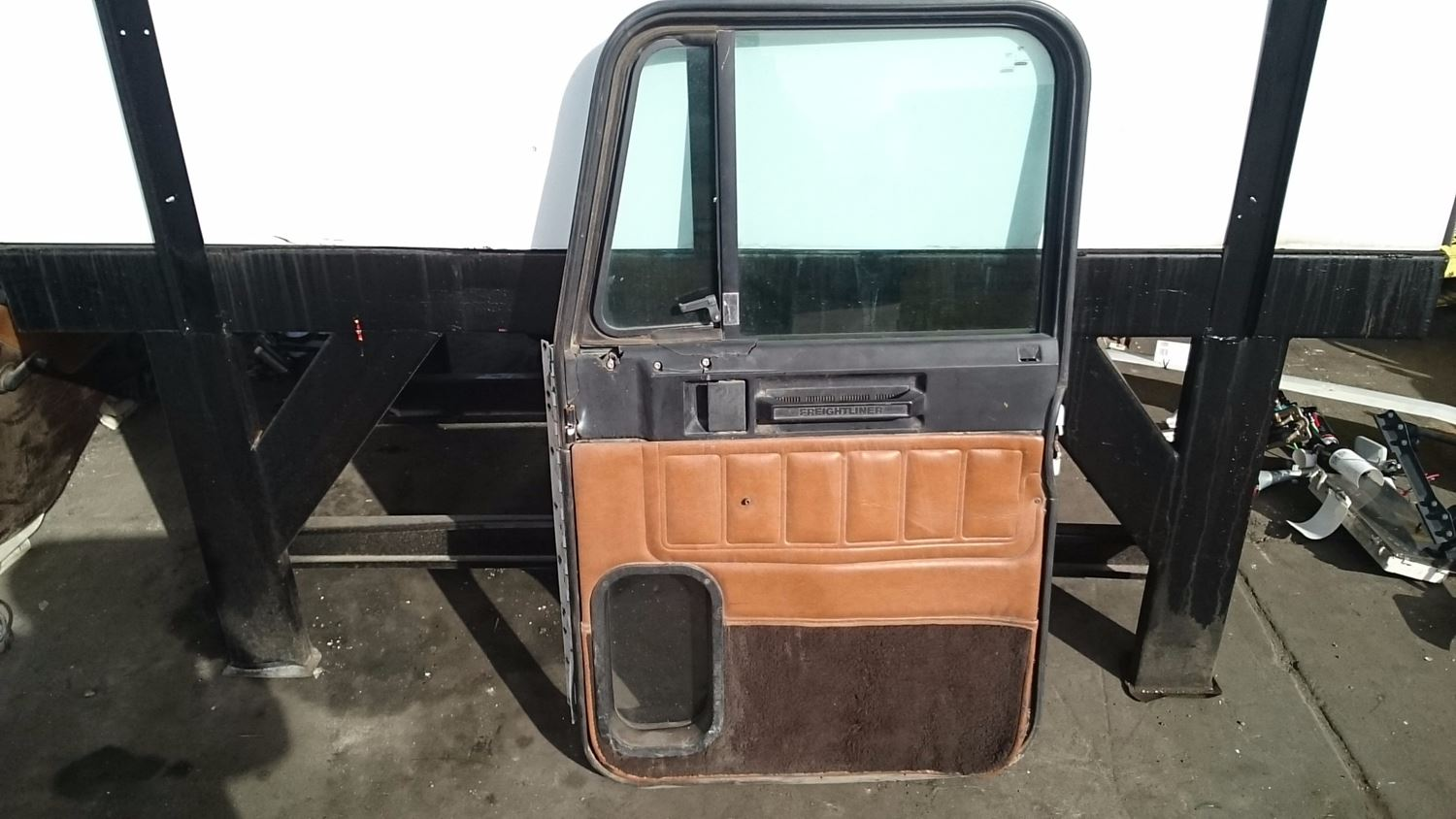 Used Parts for 2001 FREIGHTLINER FLD120 for sale-59041753