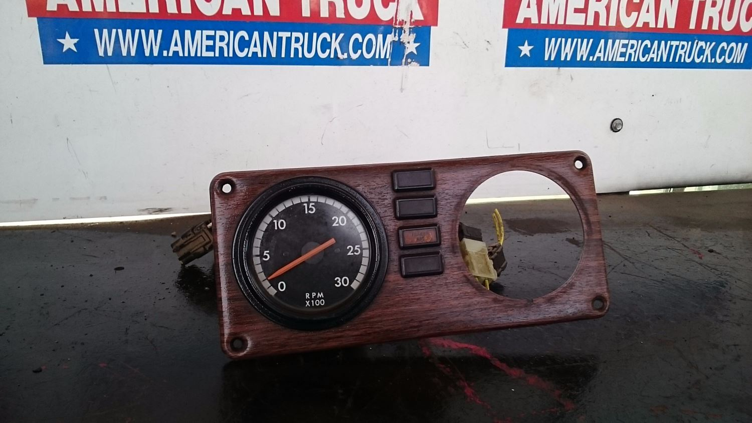 Used Parts for 2001 FREIGHTLINER FLD120 for sale-59041755