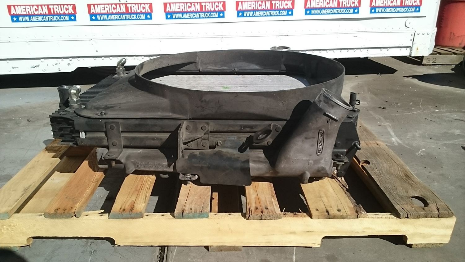 Used Parts for 2002 FREIGHTLINER FL70 for sale-59041009