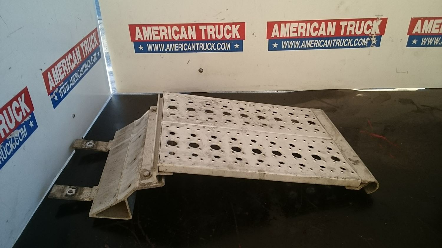 Used Miscellaneous for 2002 FREIGHTLINER OTHER for sale-58977618