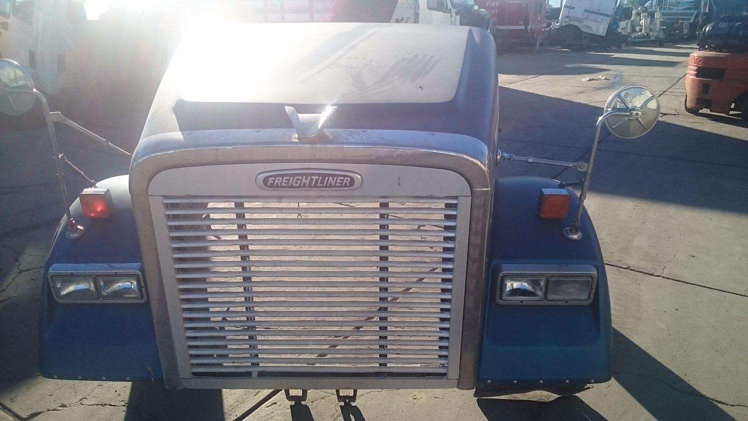 Used Parts for 2003 FREIGHTLINER CLASSIC for sale-58977526