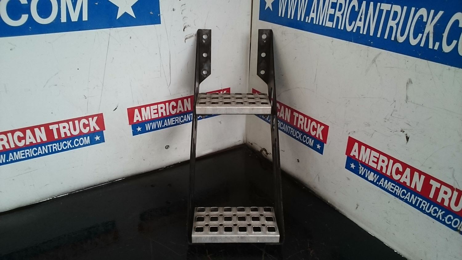 Used Miscellaneous for 2005 VOLVO VNL for sale-58979786